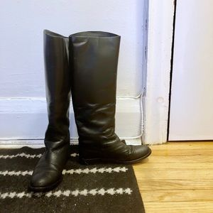 Vince Camuto flat leather boots